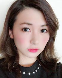 岡部真美 24歳 事務