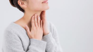 首の黒ずみは解消できる!デコルテ美人になるための方法と対策