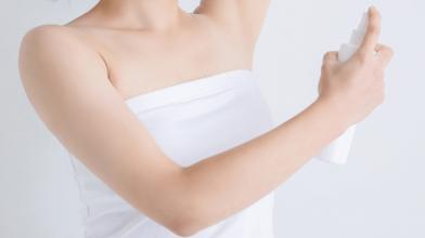 制汗剤とデオドラント剤ってどう違うの?違いを知って、正しいケアをしよう!