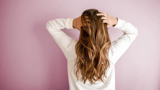 髪のきれいは土台から?セルフケアで健康的な頭皮と髪を育てよう♡