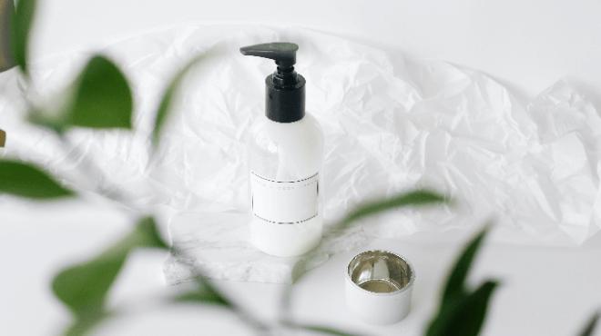化粧水ボトル